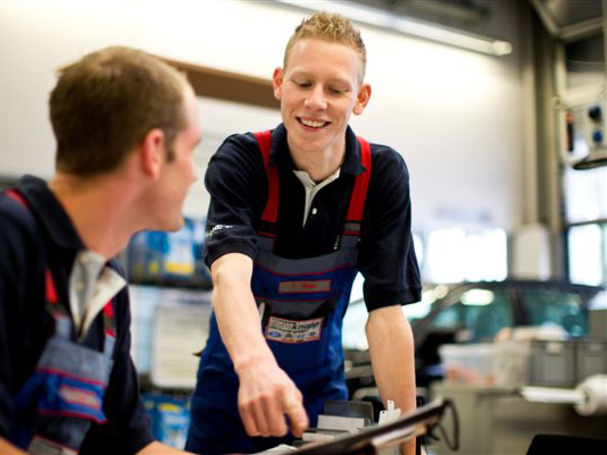 junior automobilverkäufer jobs