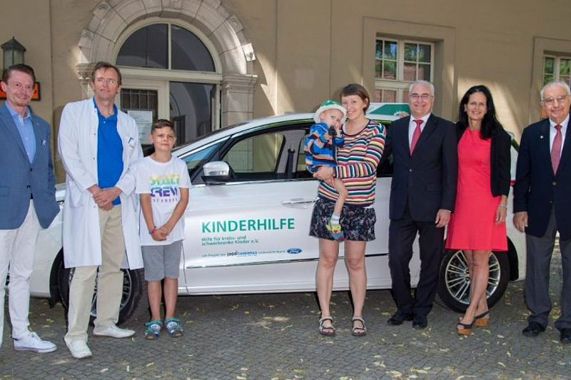 "Ford S-MAX für Selbsthilfegruppe ""KINDERHILFE"""